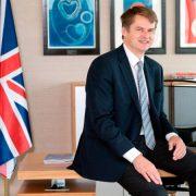 Carta abierta del embajador británico Hugh Elliott a los ciudadanos británicos residentes en España