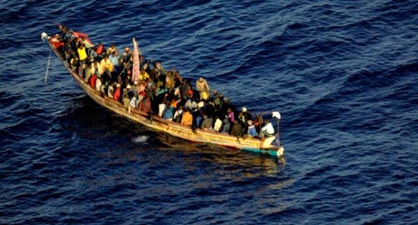 58 migrantes que se dirigen a Canarias mueren al zozobrar un barco