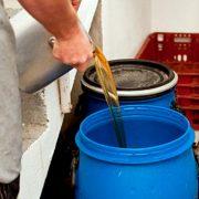 Los hosteleros de Alcobendas podrán solicitar la recogida y reciclaje del aceite de cocina usado