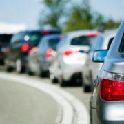 6 kilómetros de retraso cuando un coche se detiene en la autopista para que los ocupantes tengan una discusión