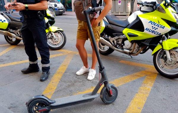 scooters eléctricos prohibidos en aceras